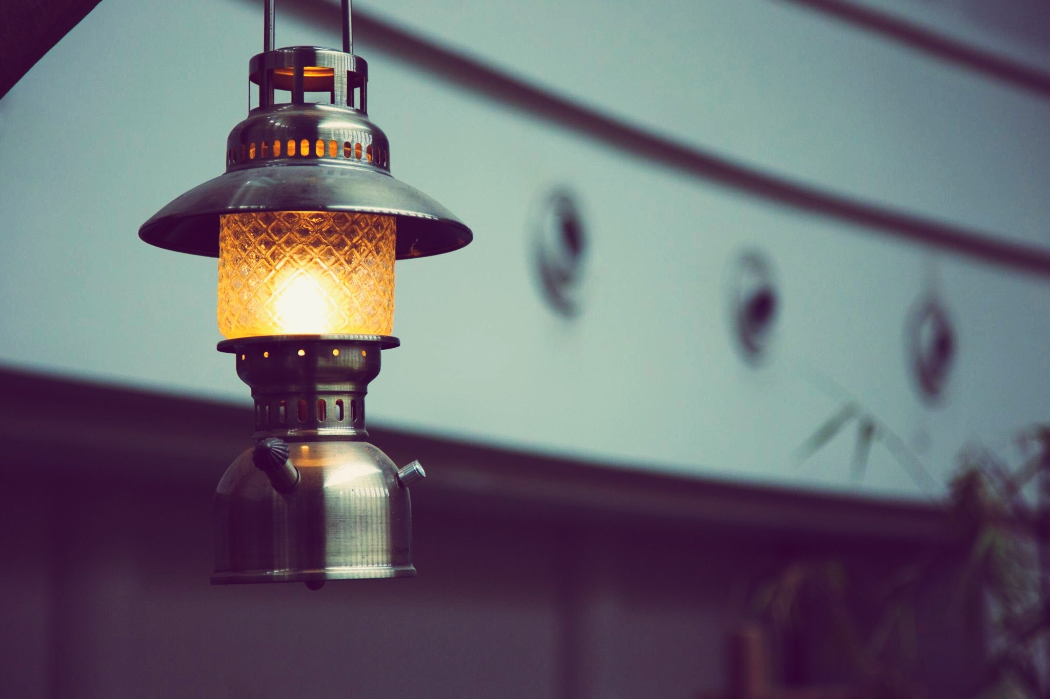 Diy Kerosene Lamp What Kind Of Oil Do You Put In Lamps Lanterns Home Guides