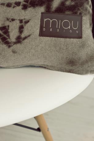 Miau Design.