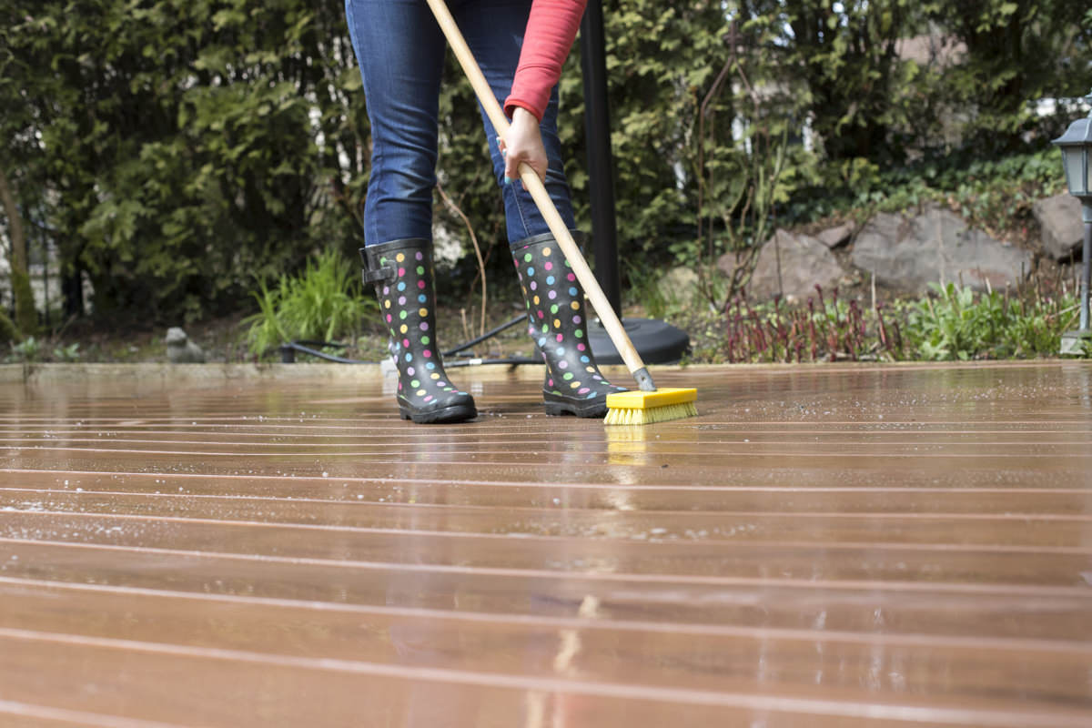 Diy Deck Cleaner How To Clean A Composite Deck