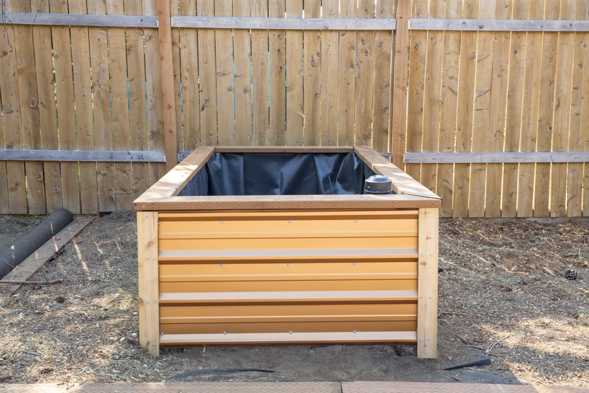 Make Self Watering Planters How To Build A Self Watering Raised Bed Part 1 Constructing The Frame