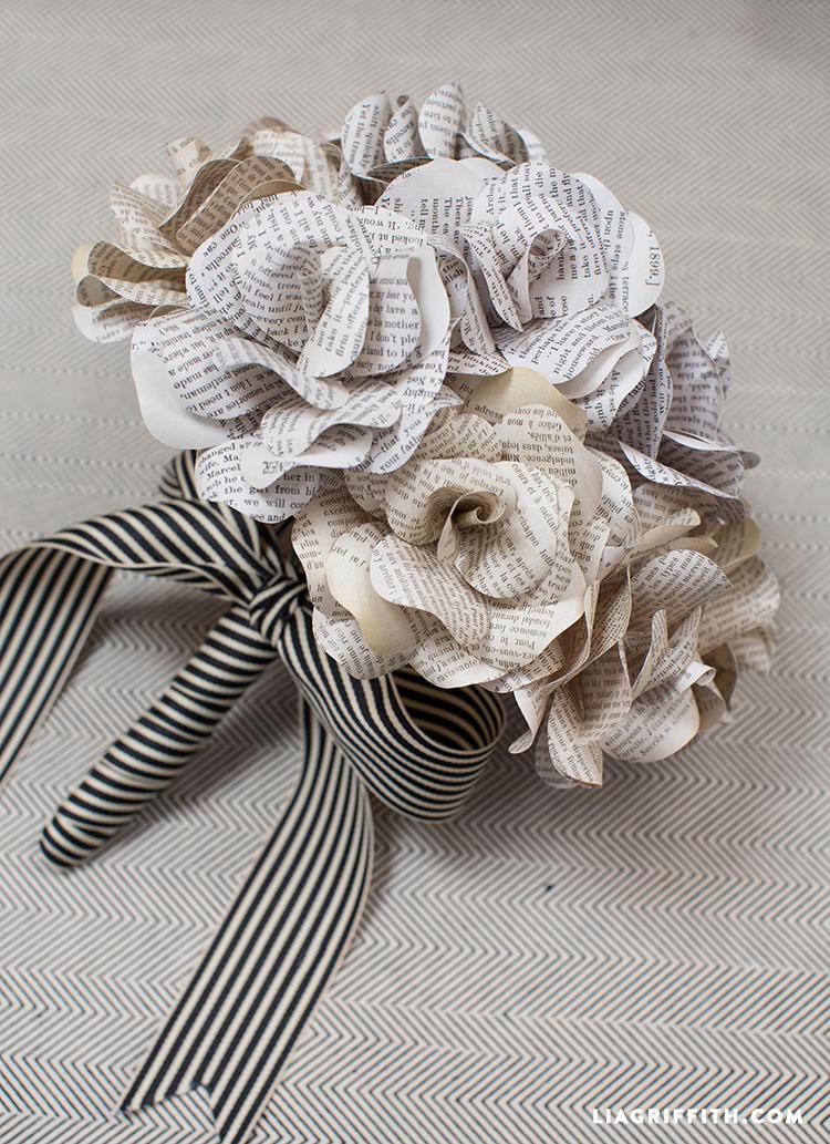 paper flower bouquet making