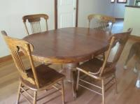 Oak Kitchen table and chairs Sooke, Victoria