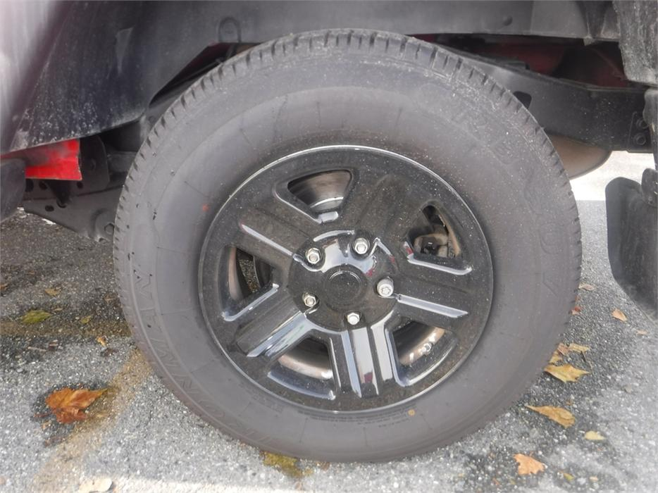 99 jeep wrangler fuel filter location