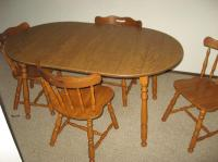 SOLID MAPLE KITCHEN TABLE AND 4 CHAIRS GREAT SHAPE Central ...
