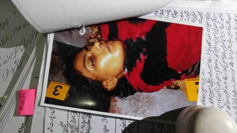La imagen de Tasleem asesinada. Es el único registro fotográfico de la joven mujer (AP)