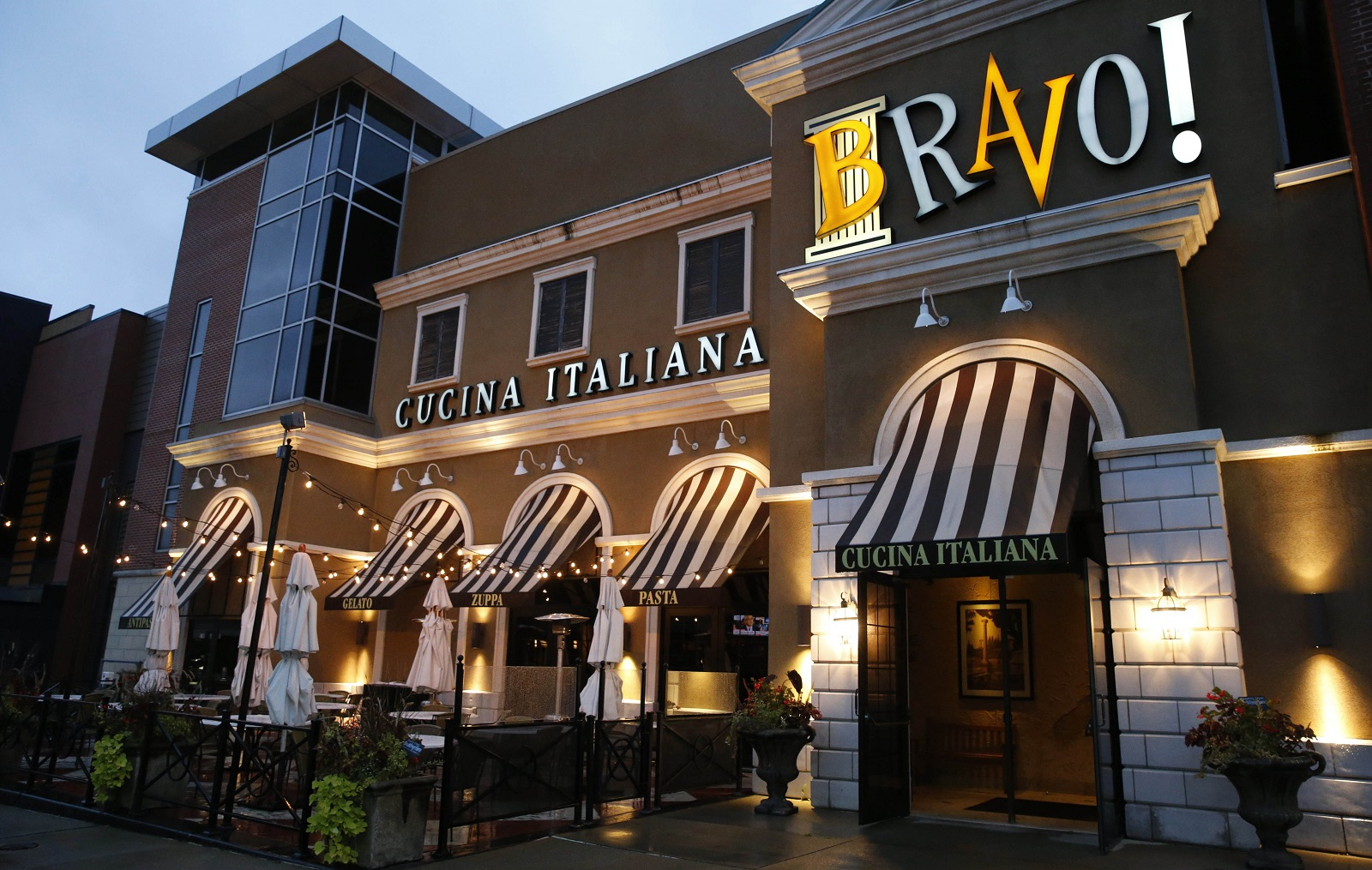Cucina Italiana News Family Bundle Happy Hour Specials Are Great Deals At Bravo