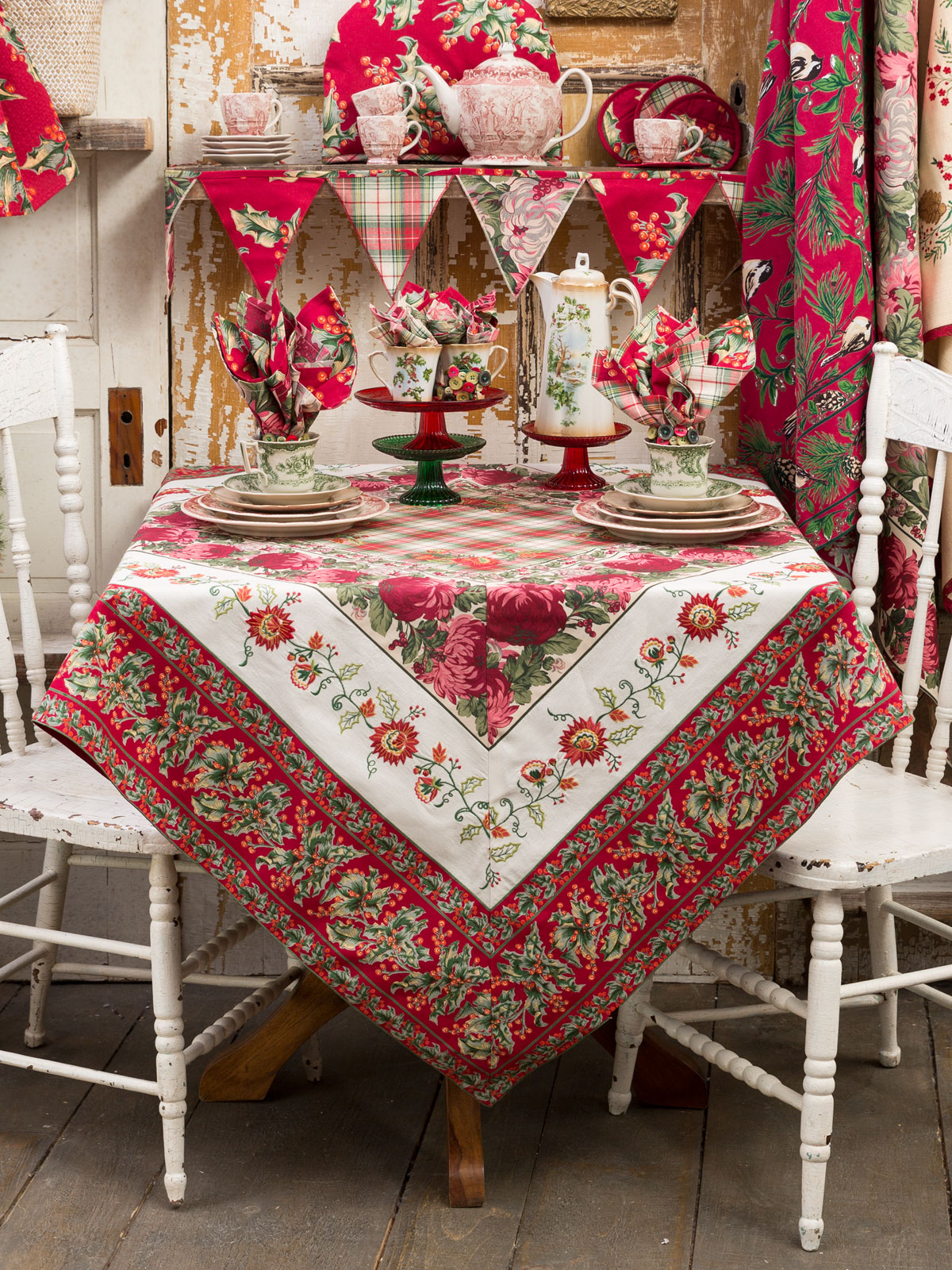 Tischdecken Weihnachten Christmas Patchwork Tablecloth | Attic Sale, Linens