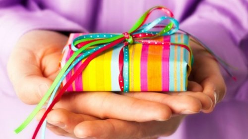 Adult Birthday Gift Giving Etiquette Ideas and Expectations