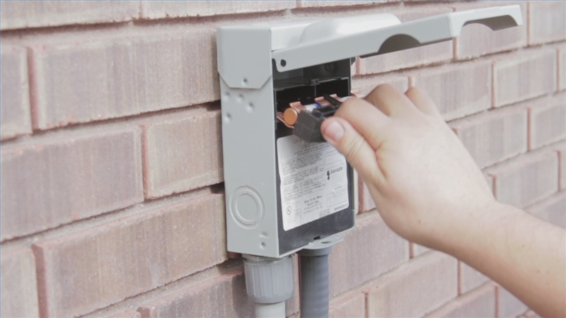 outdoor ac fuse box on
