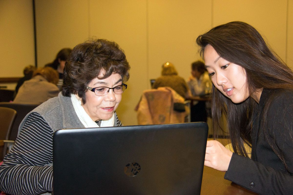 Senior Tech Helping Senior Citizens Connect With Tech Ucla