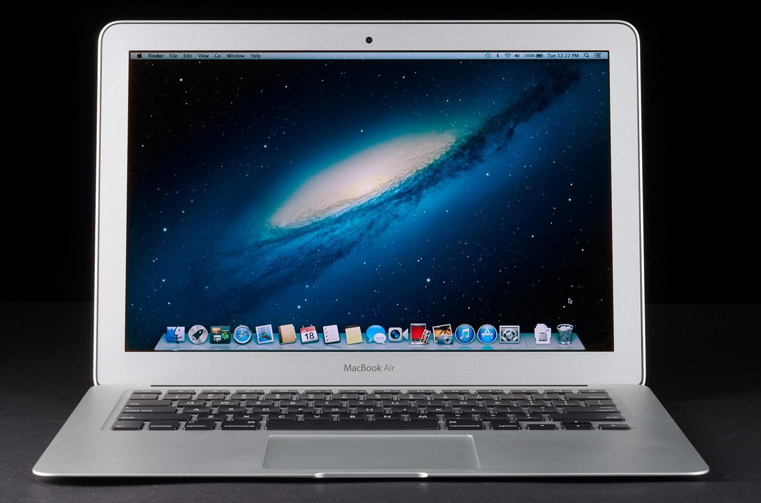 Apple Laptop Best Buy Cuts 13 Inch Macbook Air By 150 Now Costs 850