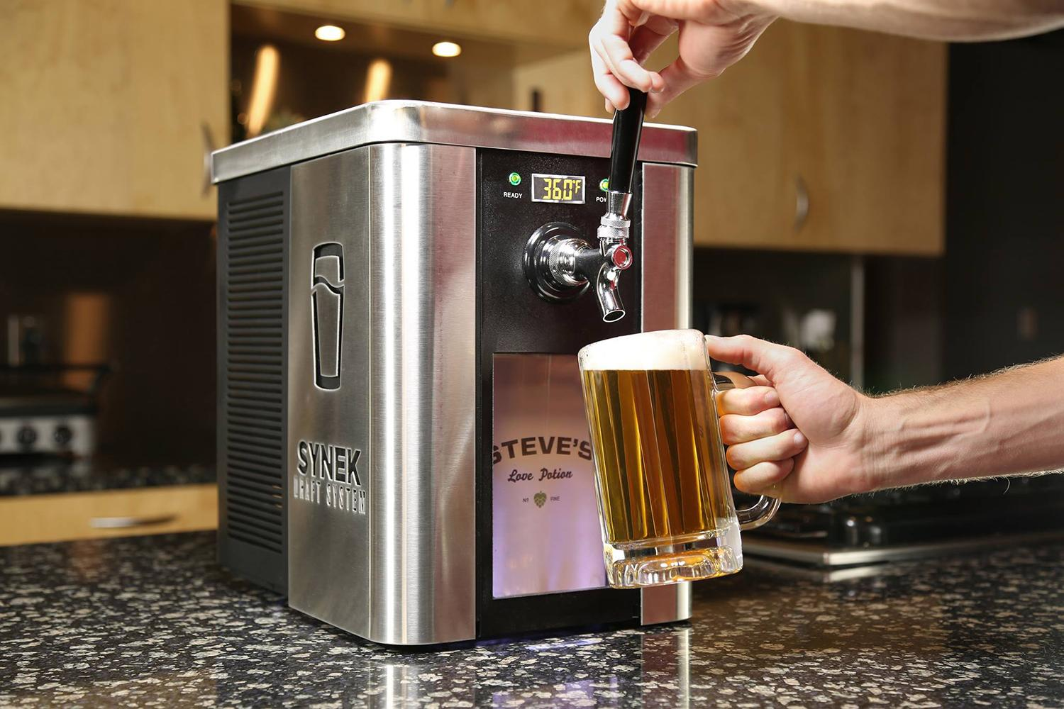 Countertop Beer Cooler And Tap The Synek Craft Brew Dispenser Is Like A Keurig For Beer