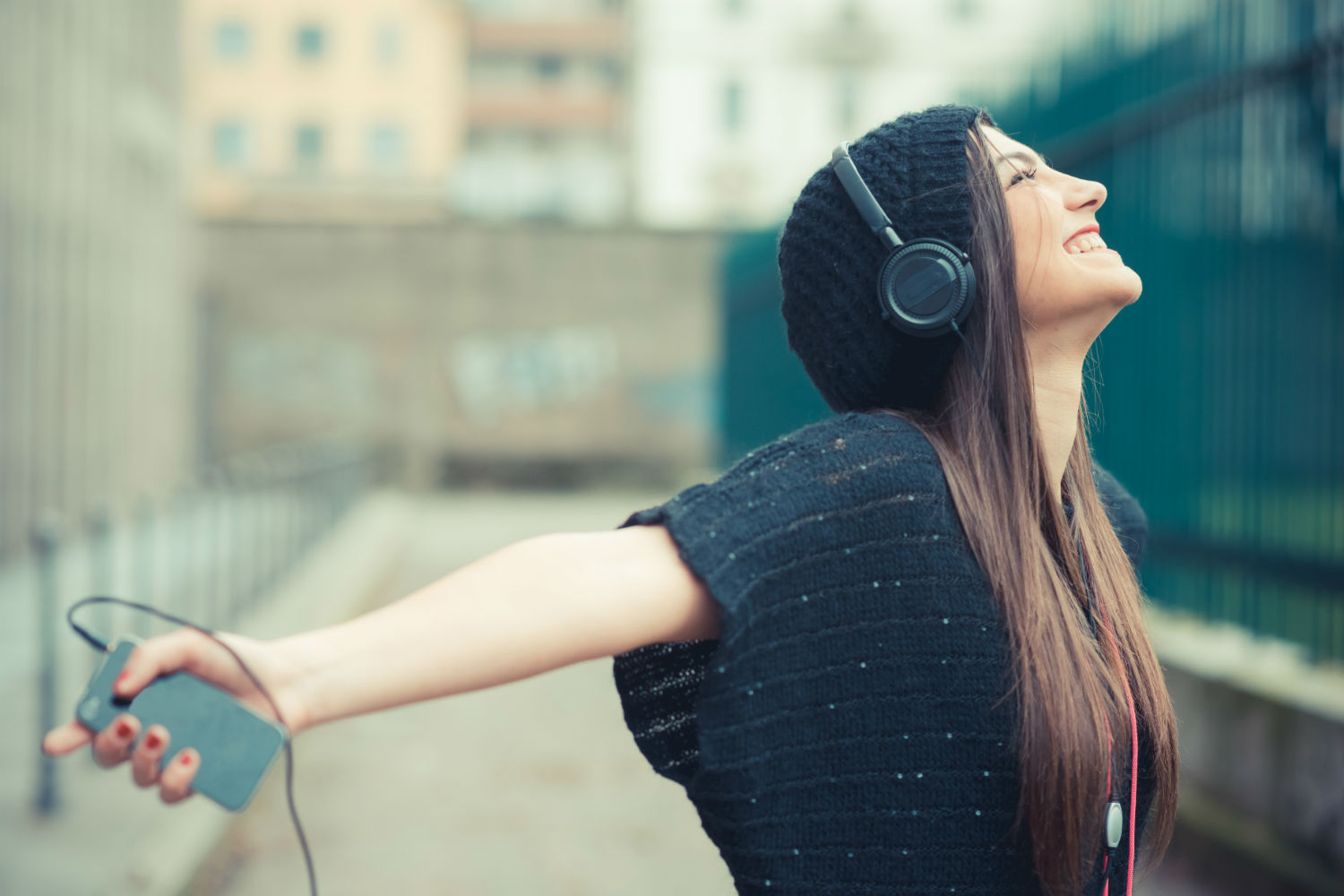 Digital Headphone Wallpaper Girl Pandora Celebrates 10 Years In Business With A Full Day