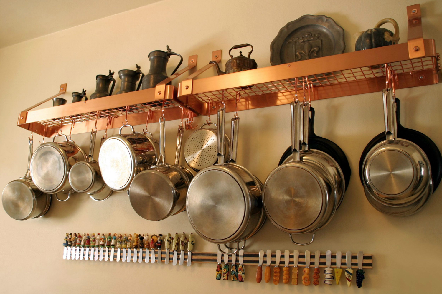 Wall Mounted Pots Major Mom Brings Drill Sergeant Efficiency To The