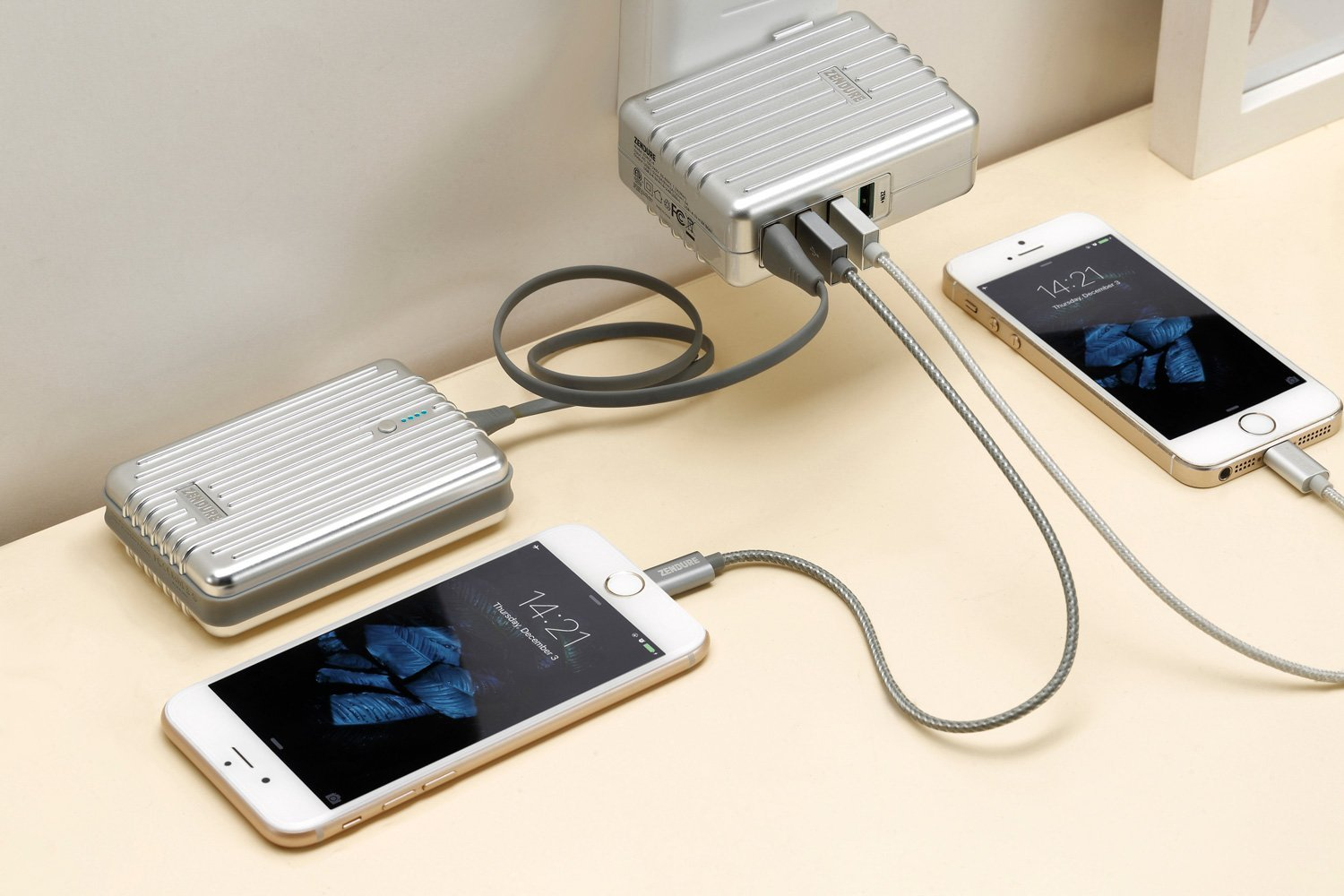 Usb Charging Hub Share The Power And Juice Up Your Phones With The Best Usb