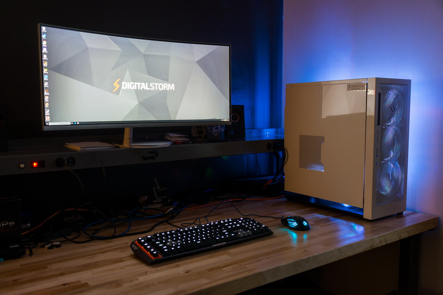 Pc Gaming Desk The Best Gaming Desktop Pcs Of 2017 Digital Trends