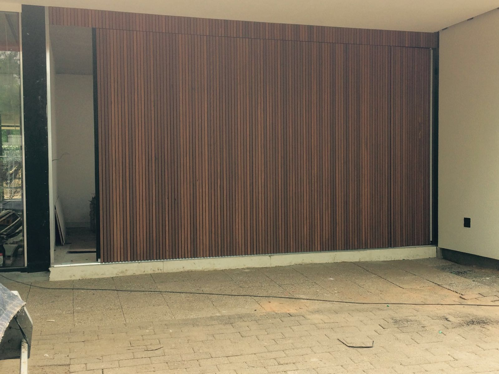 Red Cedar Prijs Garagedeuren Bekleden Met Red Cedar Different Doors