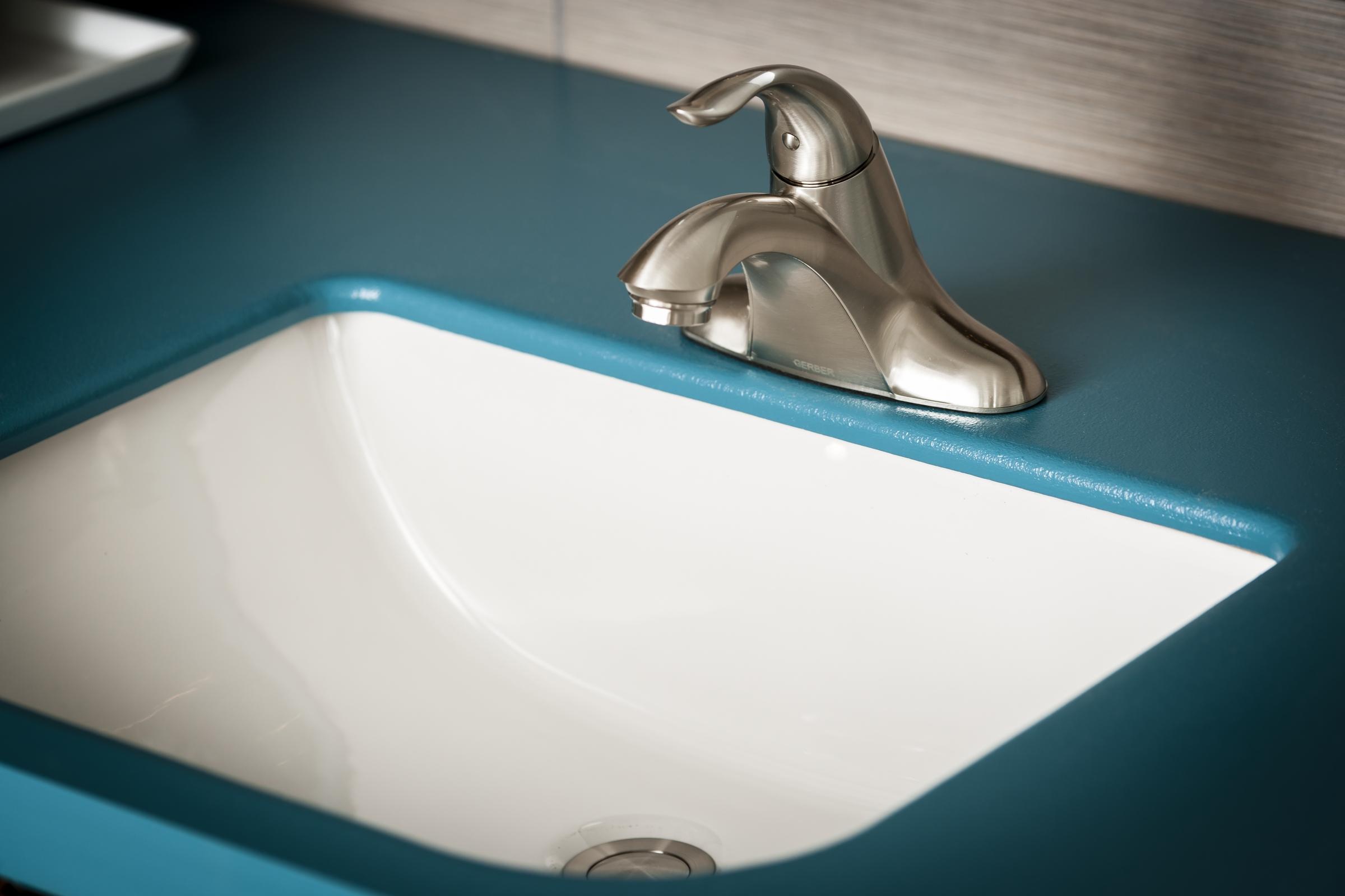 Logan Squaretm Rectangular Petite Undercounter Bathroom