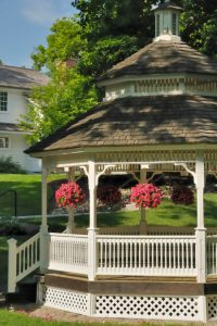 32 Extraordinary Gazebo Decoration Ideas