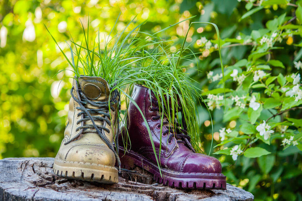 31 Shoe And Boot Planter Ideas Photos