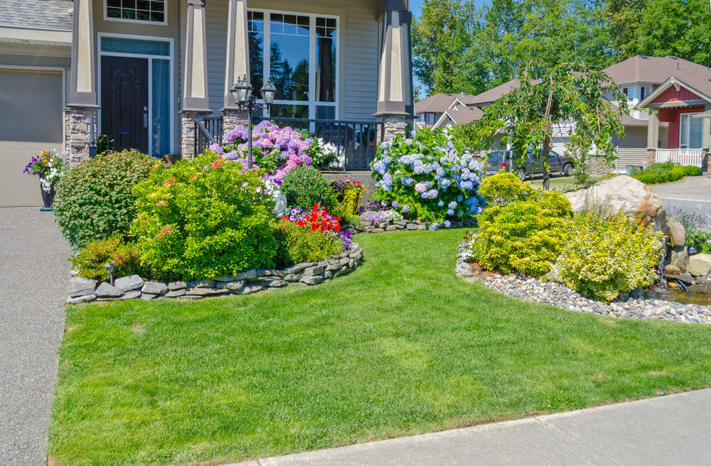 101 Front Yard Landscaping Ideas (Photos)