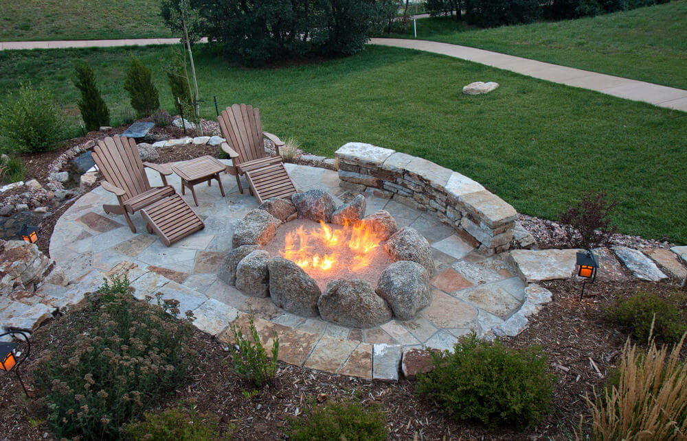 42 Backyard and Patio Fire Pit Ideas