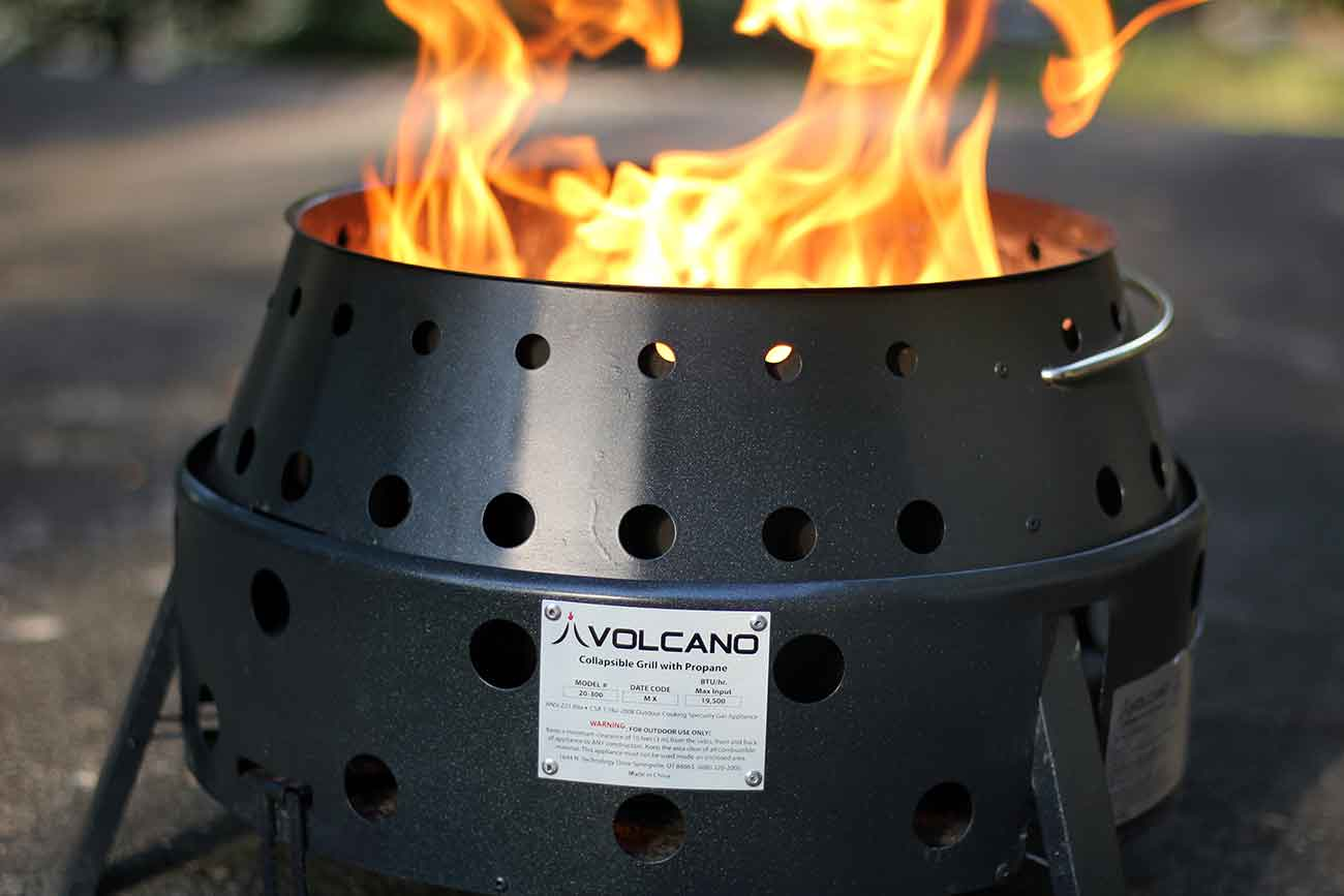 Outdoor Feuerstelle Volcano Grill Review: A Versatile Outdoor Cooker | Gearjunkie