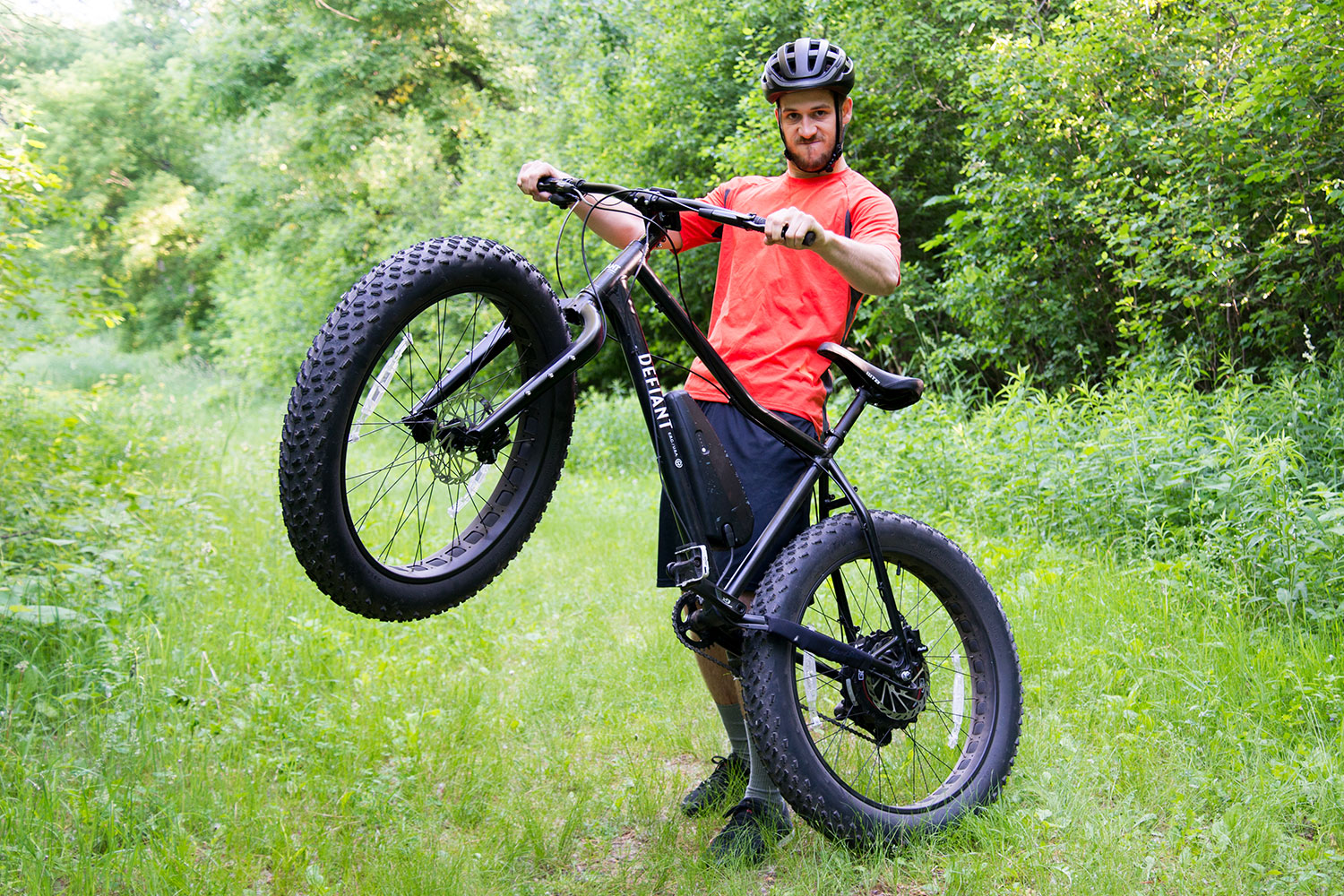 Fat Bike First Look Powerful Pedaling With Defiant Fat Electric Bike