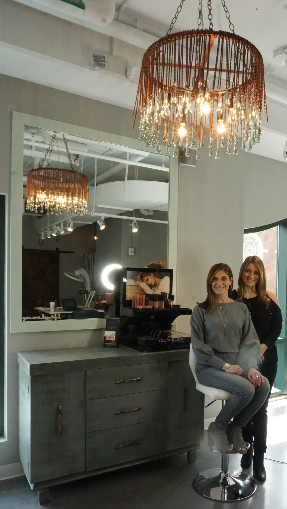 Salon Chic Whip Salon Is Rustic Chic In Westport Thanks To Romeo Baglio
