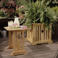 Patio Table & Planter Woodworking Plan from WOOD Magazine