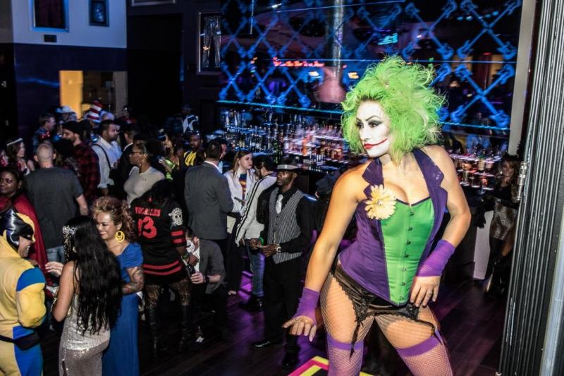Hula Girl Wallpaper Heroes Amp Villains Ball Rages All Night Long With Dj Girl 6