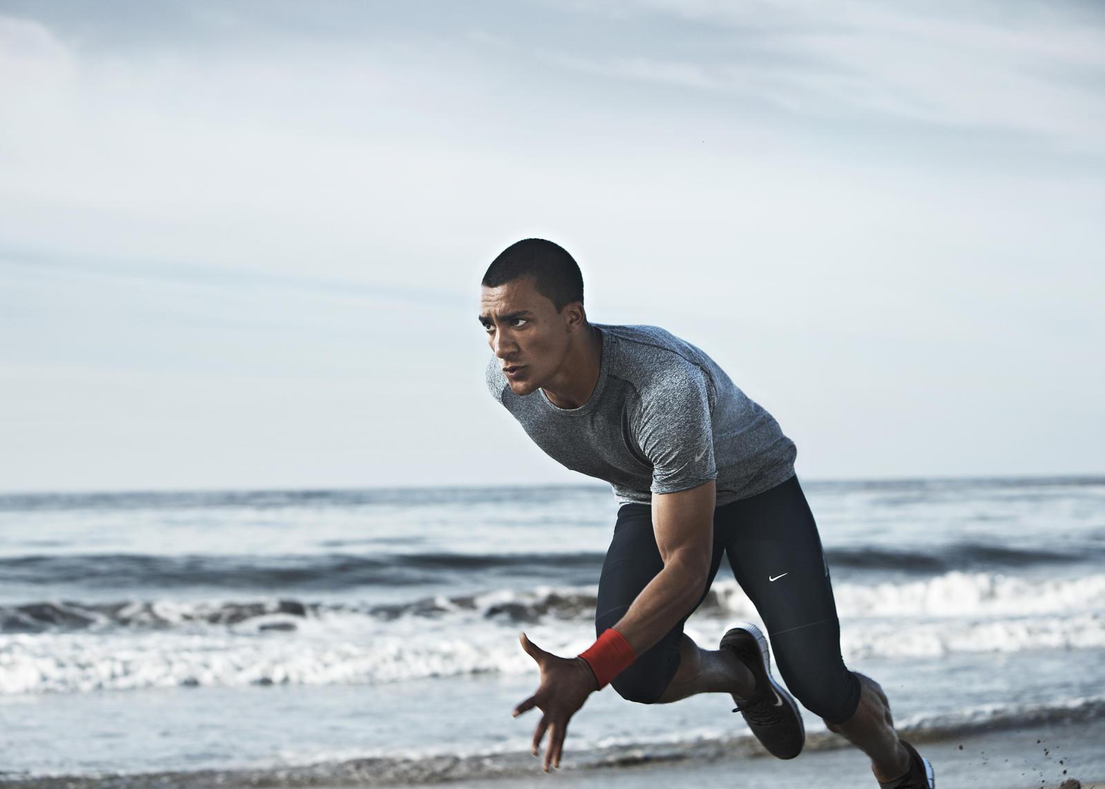 Fitness Girl Wallpaper Hd Nike Apparel Technologies Help Athletes Maintain Optimal
