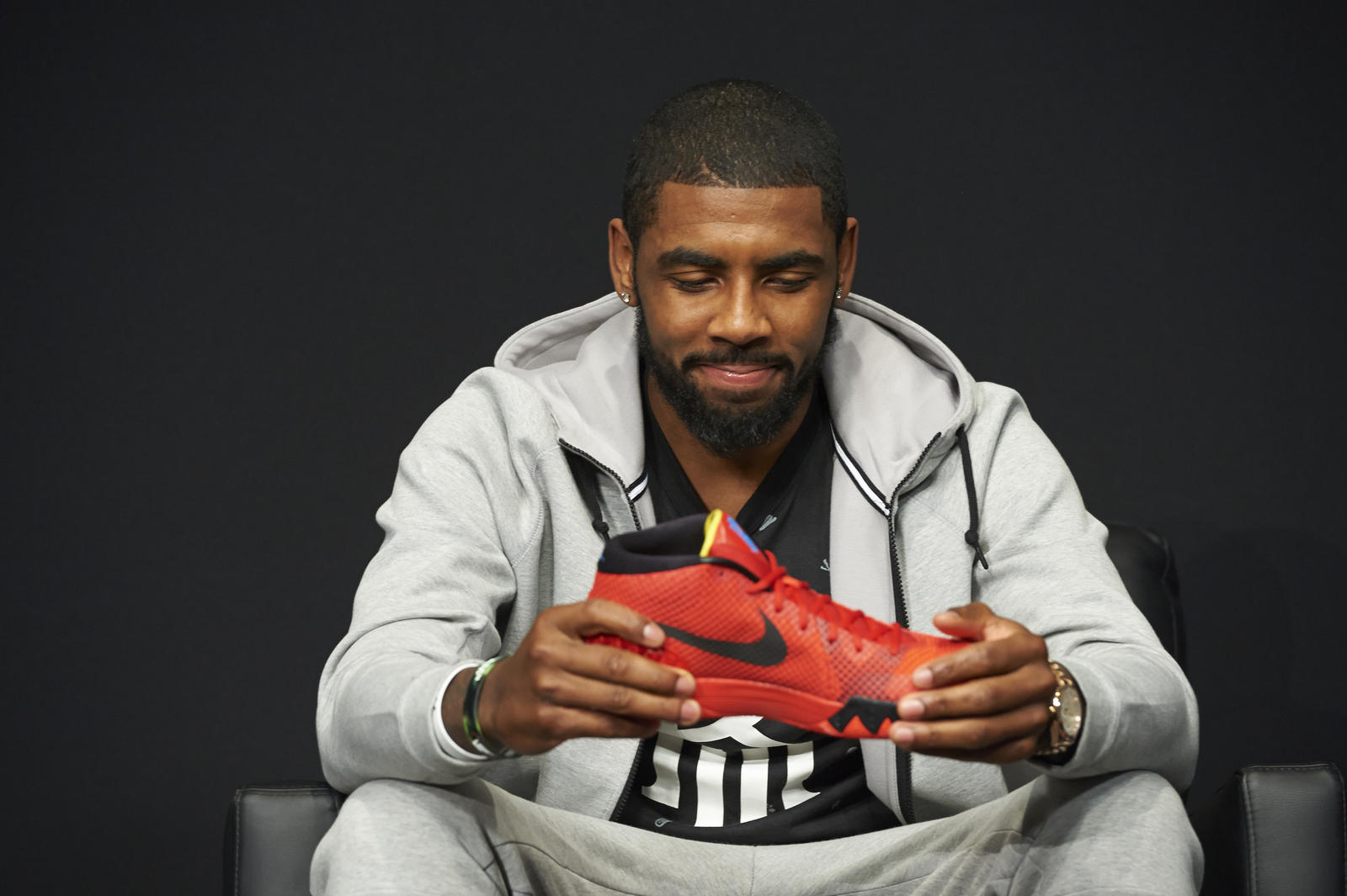 Hd Air Jordan Wallpaper 10 Things You Don T Know About Kyrie Irving Nike News