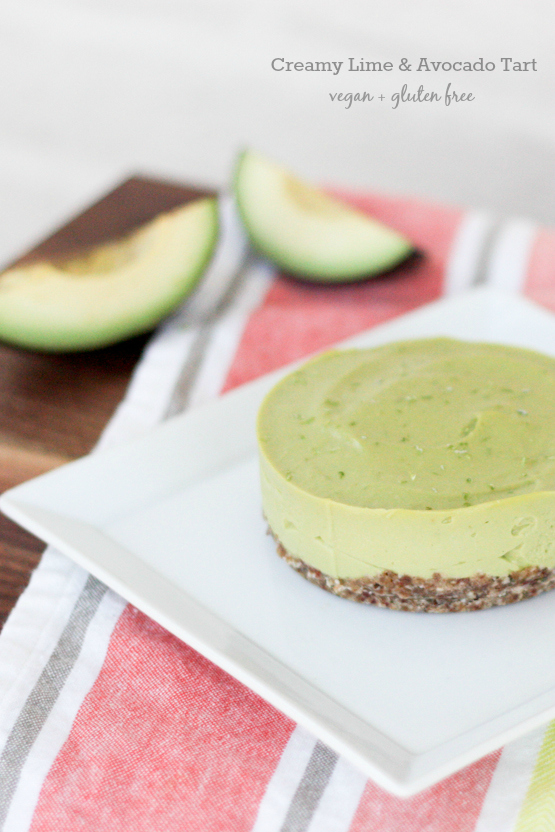 Creamy Lime and Avocado Tart (Vegan + Gluten Free) via oreeko