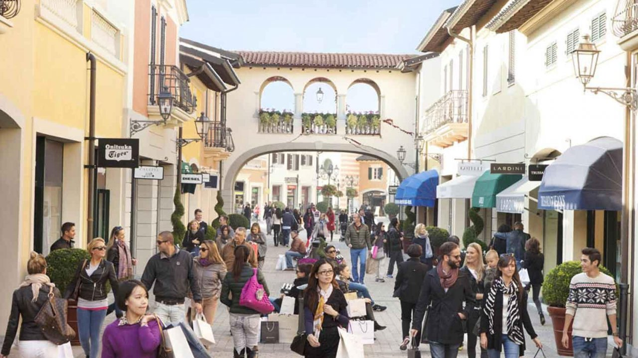 Factory Outlet In Milan Italy - LTT