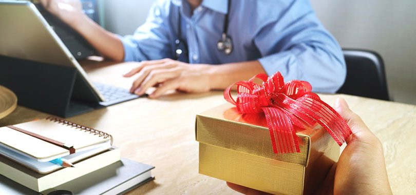 4 Great Going Away Gifts for Coworkers - TheJobNetwork