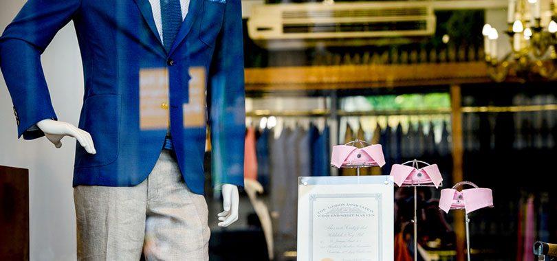 6 Job Skills You Need To Be A Sales Associate - sales associate