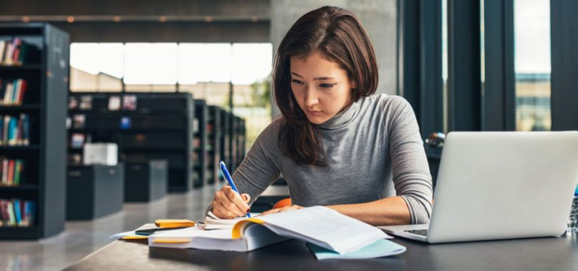5 part-time jobs great for college students - student