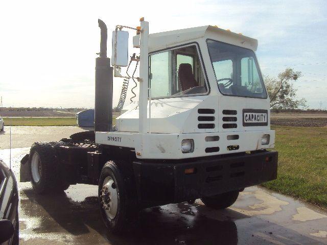 2003 Capacity TJ5000 - Yard Spotter - Yard Truck in Dallas, Texas