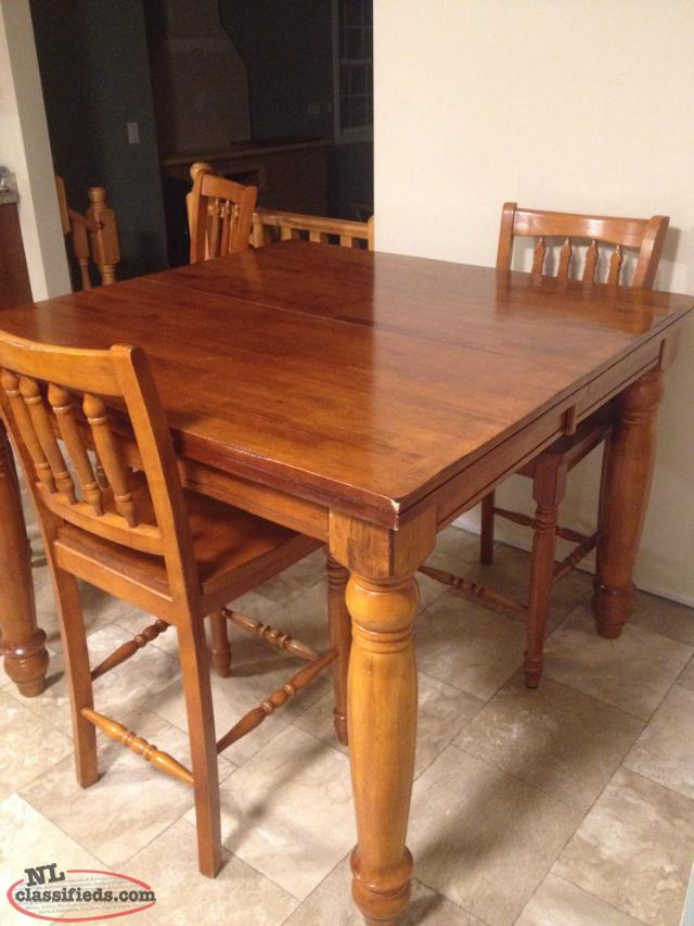 Pub Style Table & Chairs