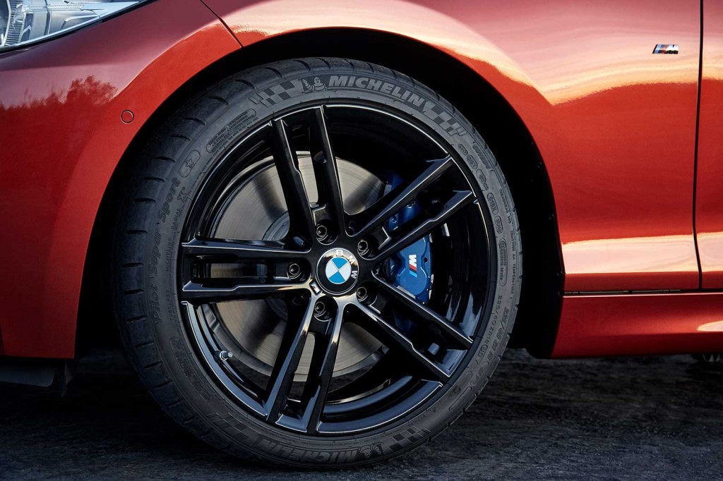 8093_highRes_the-new-bmw-2-series