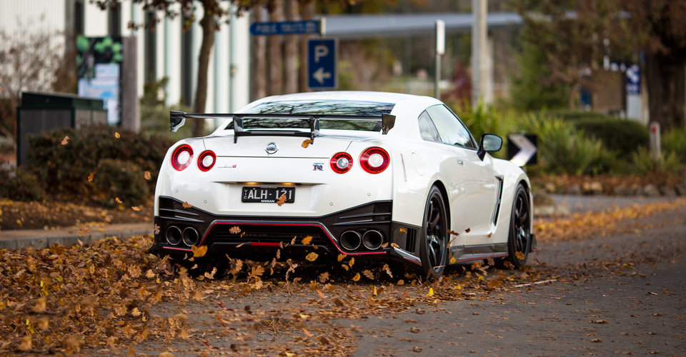 Dodge Car Wallpaper 2017 Nissan Gt R Nismo Review Caradvice