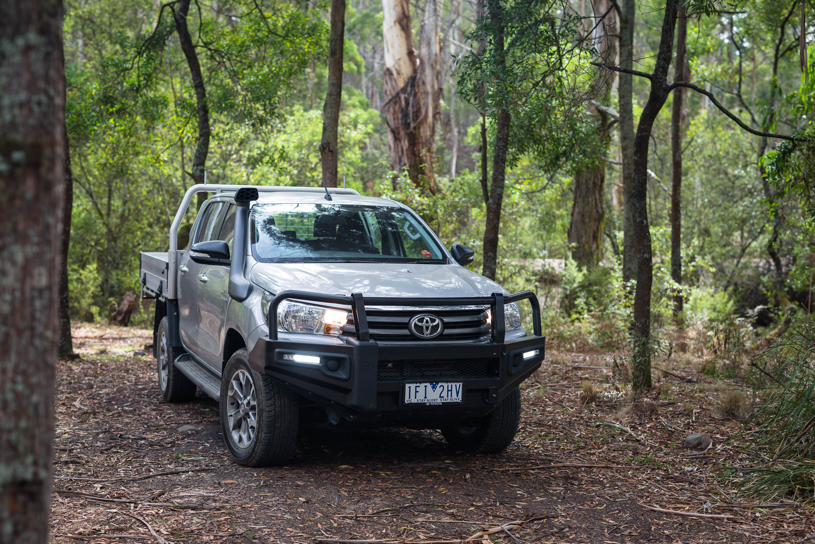 2016 toyota hilux sr 4 4 cab chassis review photos caradvice