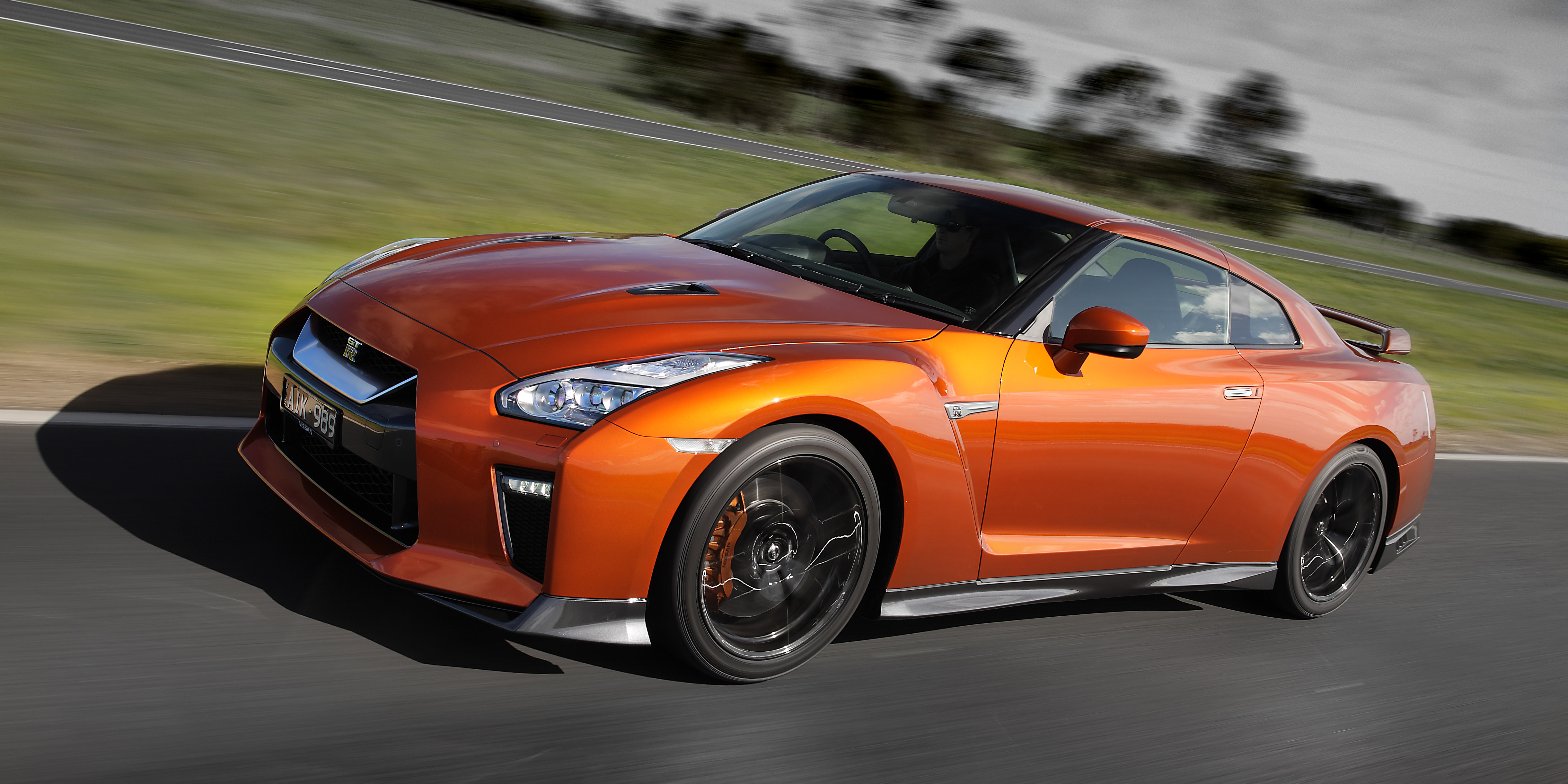 Max Power Cars Wallpaper 2017 Nissan Gt R Pricing And Specs Godzilla Gets More