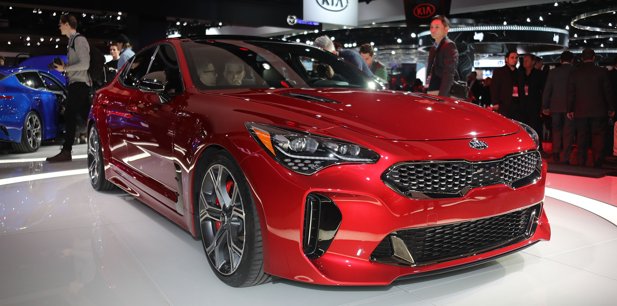 Car Manufacturers Owners Kia Will Lure Commodore Ss Owners With New Stinger Twin