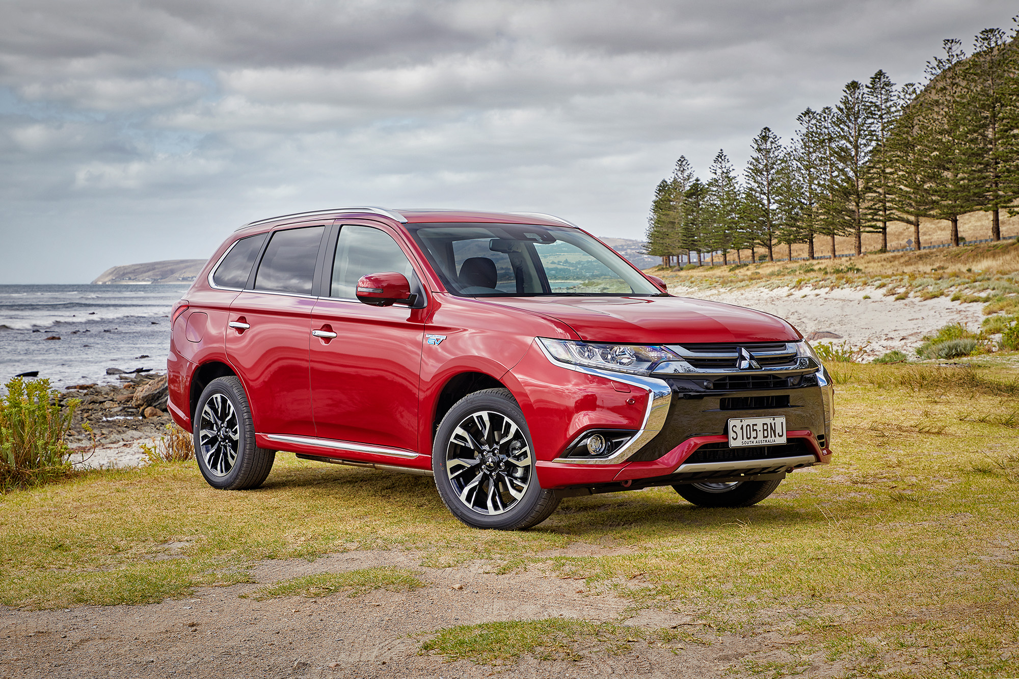 Aftermarket Car 2017 Mitsubishi Outlander Phev Review - Photos | Caradvice