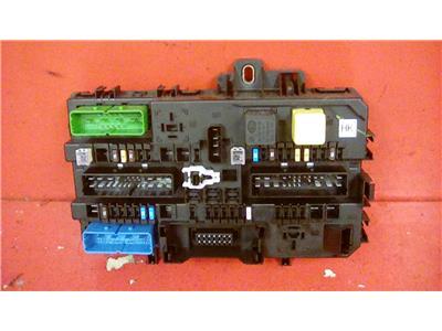 VAUXHALL ASTRA MK5 H + ZAFIRA B REAR REC FUSE BOX DP 13181278 2004