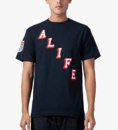 ALIFE Peacoat Black Hometeam T-Shirt Model Picutre