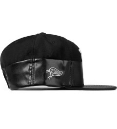 Hall of Fame Black Wavy Half & Half Snapback Model Picutre