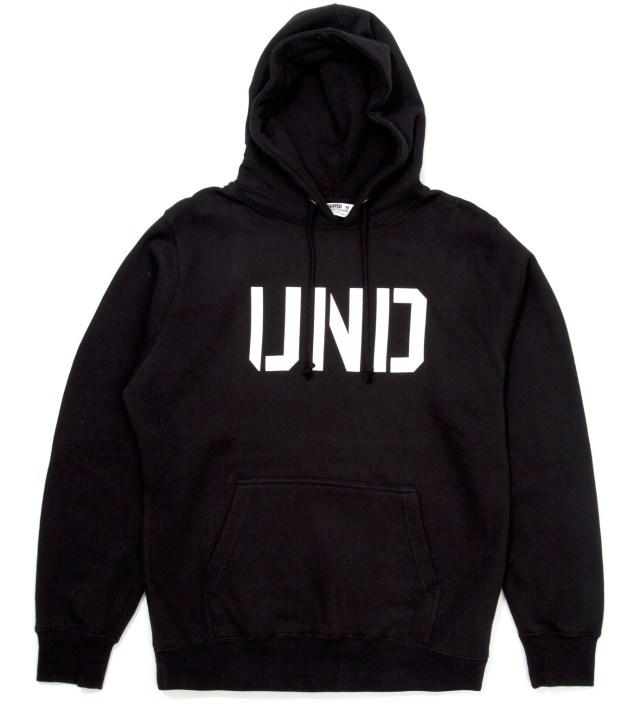 Black UND Hoodie